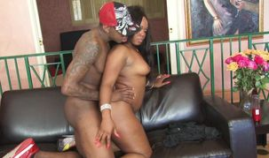 Magnificent ebony dame is hoping her..
